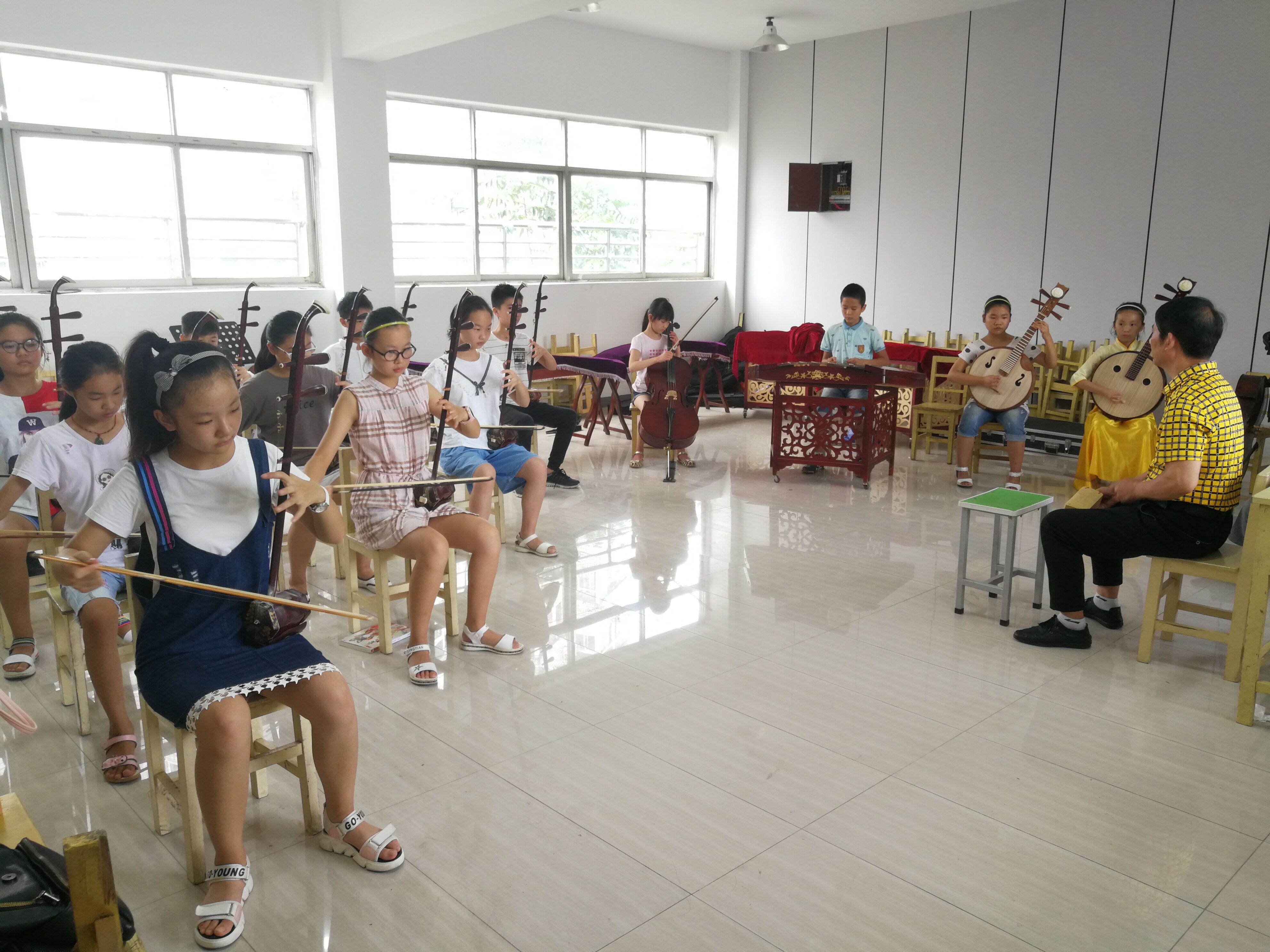 玉泉小学利用假期开展丰富多彩的学生艺术活动